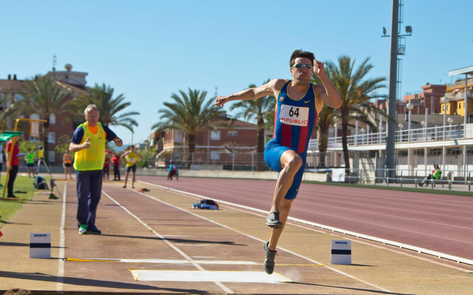 Image of Xavi Porras in the long jump with Miguel Angel Torralba