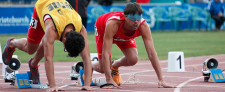 Xavi and Enric image, your guide, prepared for the start of a series of 100 meters