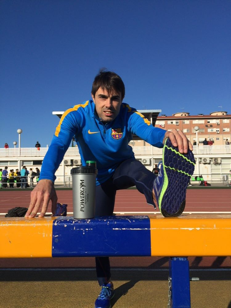 Image of Xavi Porras warming up before long jump championship of Catalonia with Powergym